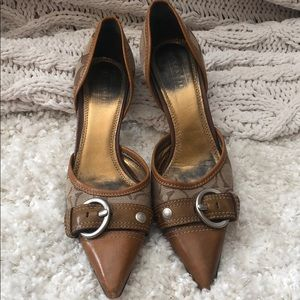 Sexy and subtle Coach 2 inch heel shoes.